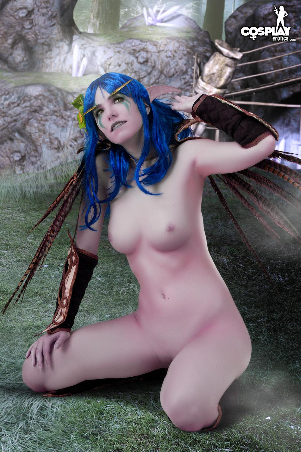 Female night elf cosplay